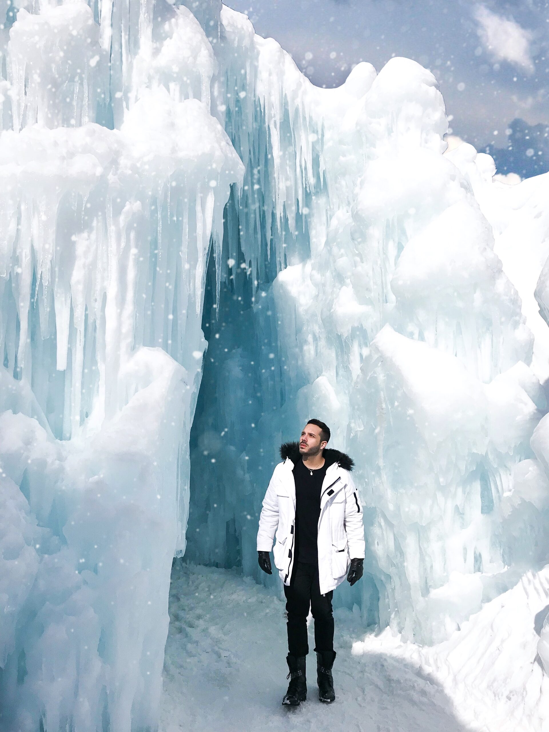ice castles outfit, ice castles photoshoot, top things to do nh, new england travel guide Disney Frozen Winter Wonderland real life Arendelle fairy tale