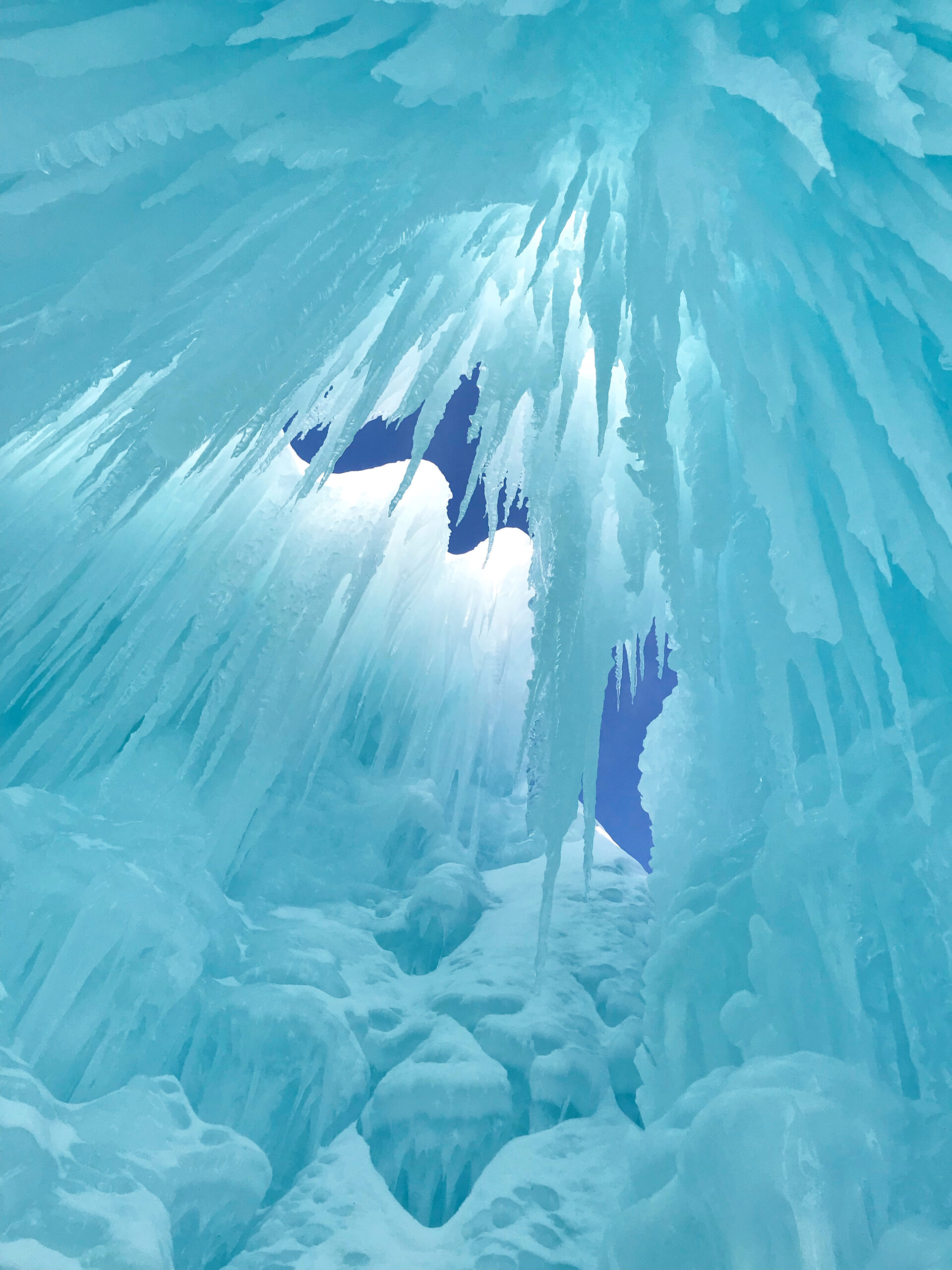 where are the ice castles located, ice castle ticket prices, winter getaways from nyc real life Arendelle